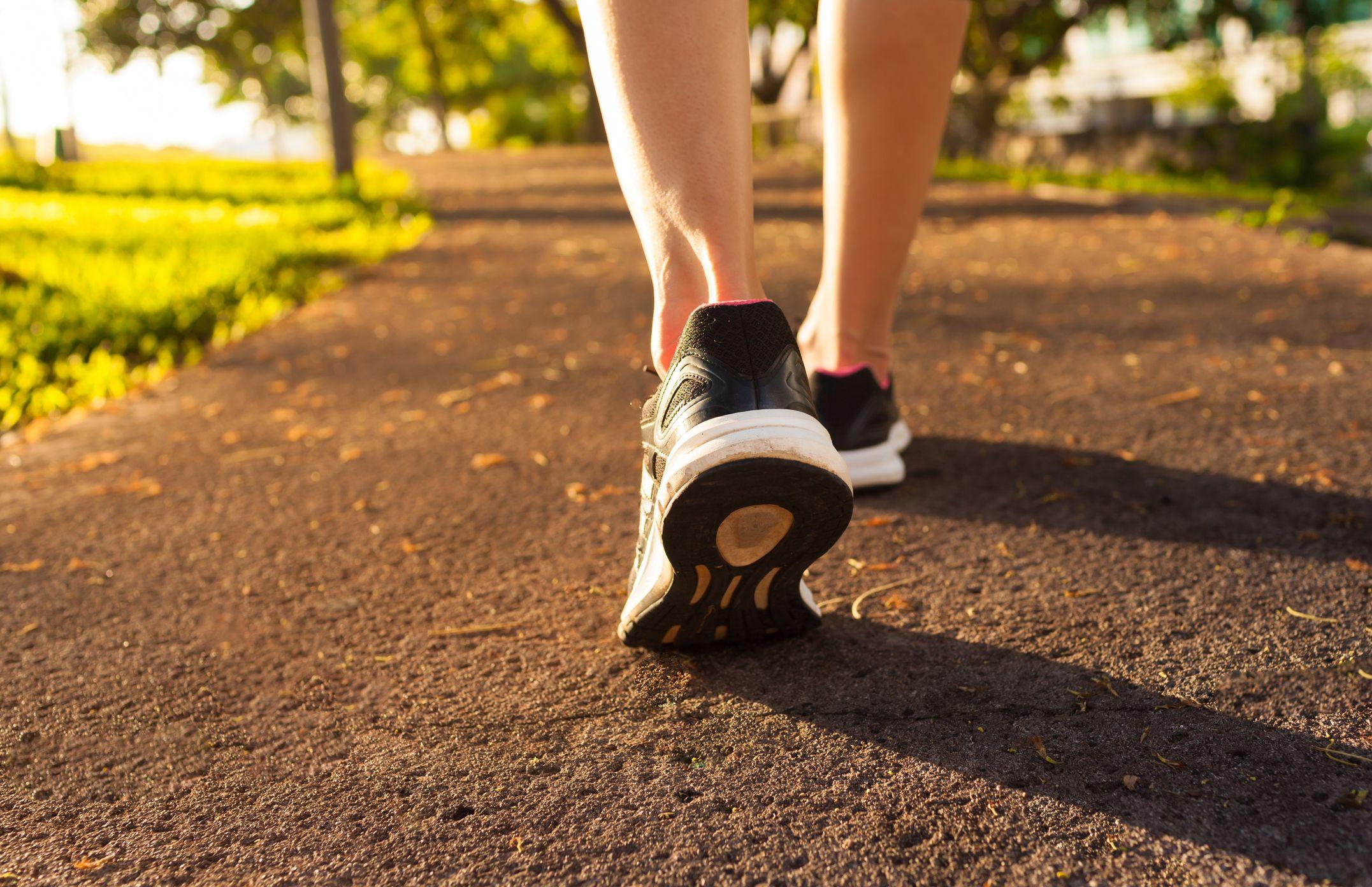 Pešia chôdza: Jednoduchý spôsob, ako dať za 30 minút dolu až 3 kilá