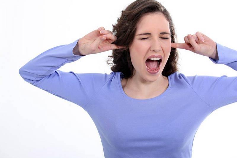 Poradíme vám, ako seba a svoj interiér chrániť pred nadmerným hlukom